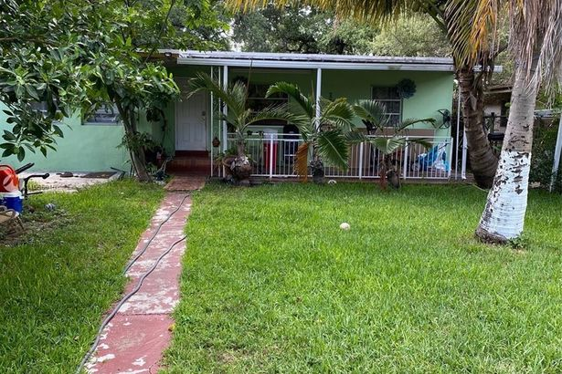 2945 NW 30th St
