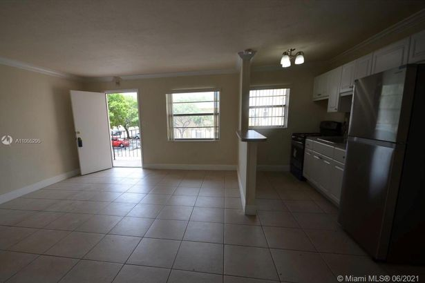 3855 SW 79th Ave #20