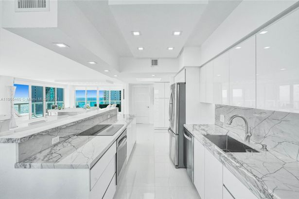 16400 Collins Ave #2041