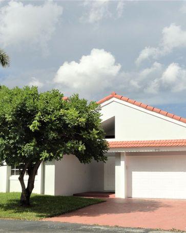 8461 NW 189th Street Miami, FL, 33015