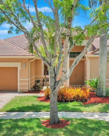 1477 Blue Jay Cir Weston, FL, 33327