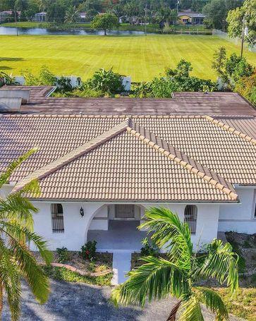 5721 SW 7th St Plantation, FL, 33317