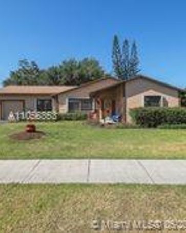 908 Cardinal Pl Homestead, FL, 33035