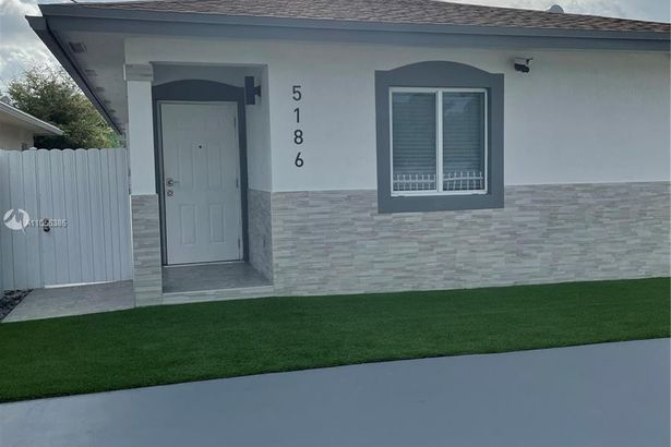 5186 NW 32nd Ave