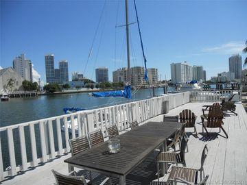 6865 Bay Dr #9, Miami Beach, FL, 33141,