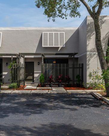 11219 NW 14th Ct Pembroke Pines, FL, 33026