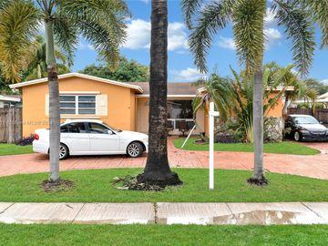 610 SW 69th Ave, Pembroke Pines, FL, 33023,