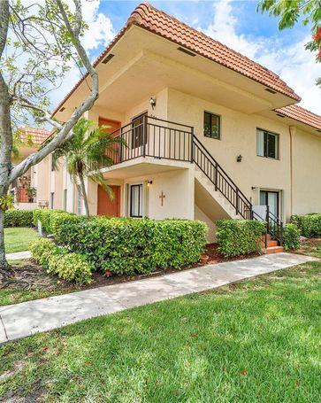 369 Lakeview Dr #206 Weston, FL, 33326