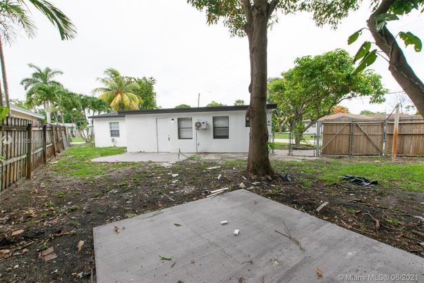 316 NW 47th St