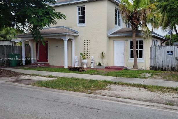 2275 NW 30th St