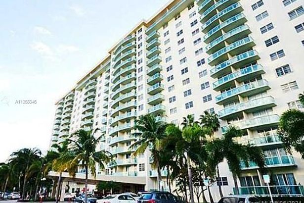 19390 Collins Ave #1410
