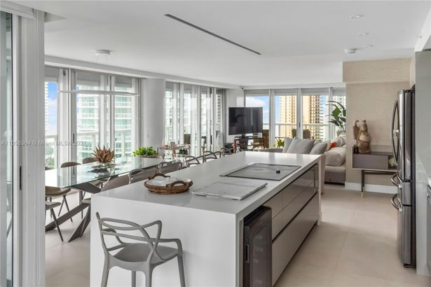 16500 Collins Ave #1751