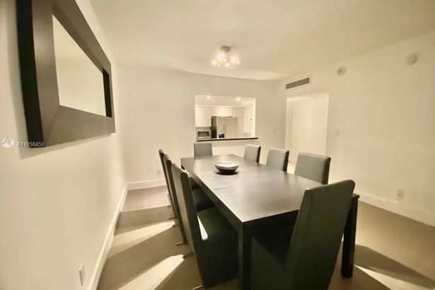 19370 Collins Ave #914