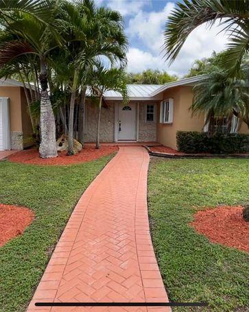 12061 SW 116th St Miami, FL, 33186
