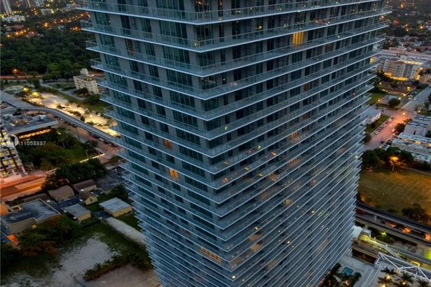 1111 SW 1st Ave #3120