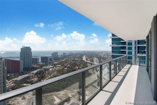 1300 S Miami Ave #4206