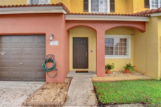 1853 SW 103rd Ave #1853
