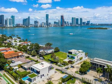 1045 N Venetian Dr, Miami, FL, 33139,