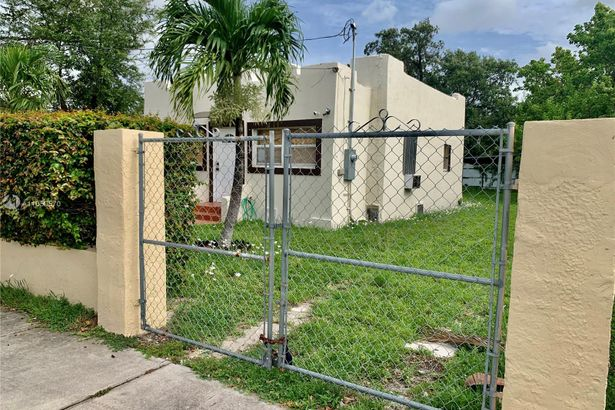 2115 NW 56th St