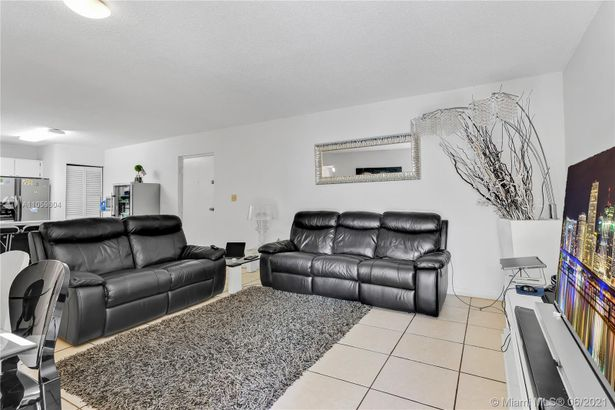 2727 NW 17th Ter #305