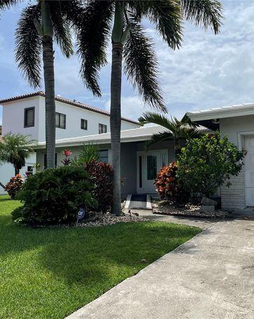 207 NE 3rd Ave Dania Beach, FL, 33004