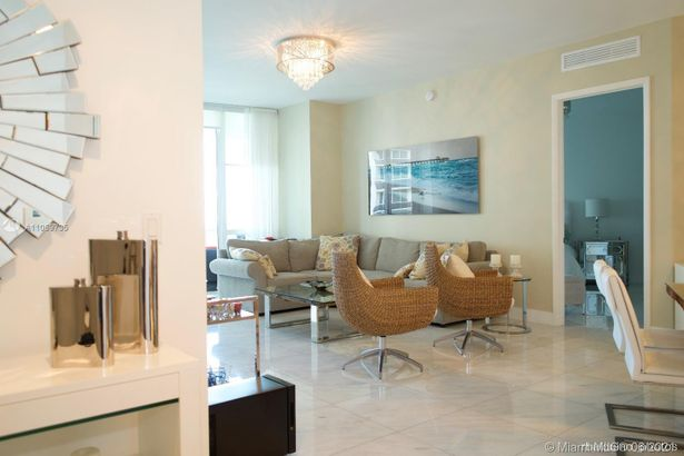 15811 Collins Ave #1503