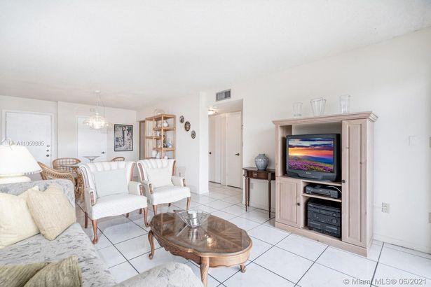 9120 Fontainebleau Blvd #503