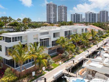 3750 Yacht Club Dr #TH4, Aventura, FL, 33180,