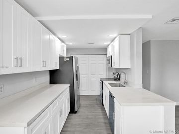 6035 Winfield Blvd, Margate, FL, 33063,