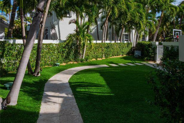 15 Grand Bay Estates Circle