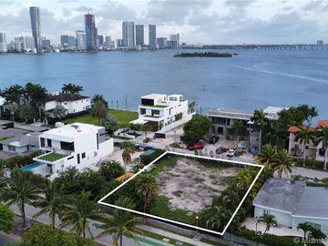1098 N Venetian Dr, Miami, FL, 33139,