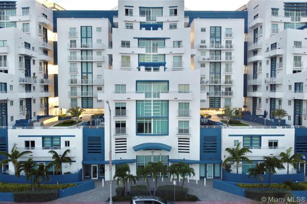 7600 Collins Ave #1205