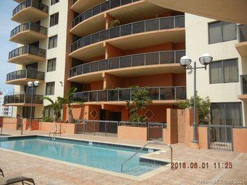 2301 SW 27th Ave #703, Miami, FL, 33145,