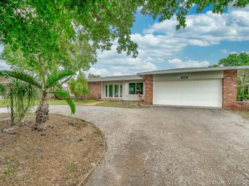 5280 SW 7th Street #5280, Plantation, FL, 33317,