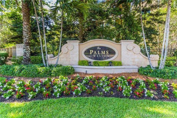 16101 Emerald Estates Dr #141