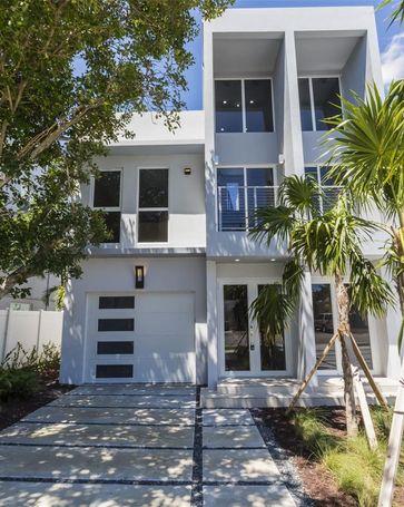 619 NE 14th Ave Fort Lauderdale, FL, 33304