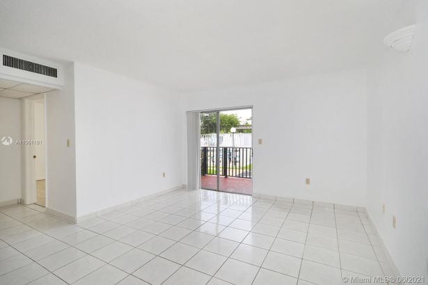 2460 SW 18th Ave #1110