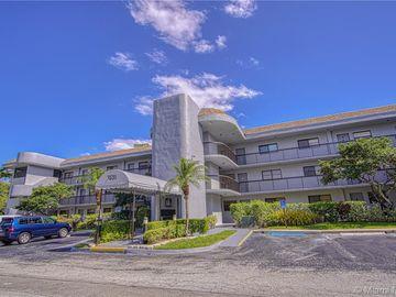 7531 NW 79th Ave #305, Tamarac, FL, 33321,