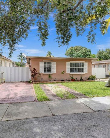 1021 SW 66th Ave West Miami, FL, 33144