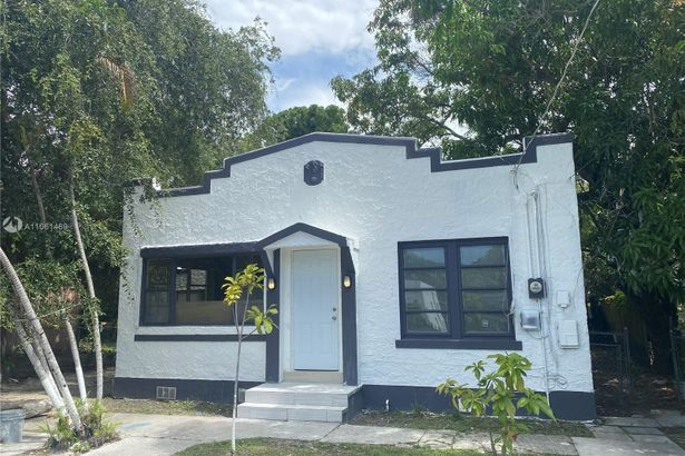 829 NW 56th St