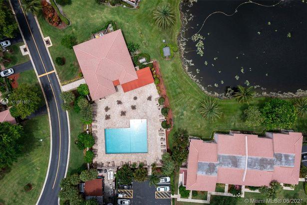 9270 Vista Del Lago #G
