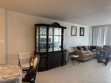 2450 NE 135th St #704, North Miami, FL, 33181,