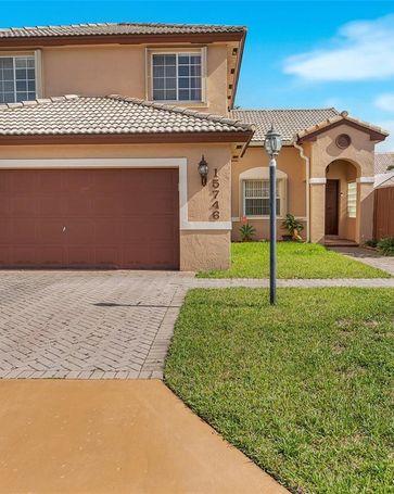 15746 SW 82nd St Miami, FL, 33193