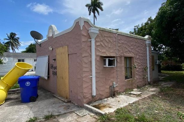 1920 NW 24th Ct