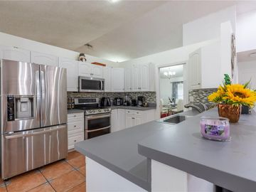 8922 NW 50th Ct, Coral Springs, FL, 33067,