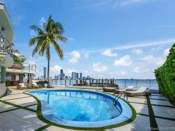 1121 N Venetian Dr, Miami, FL, 33139,