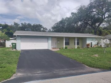 1040 SW 66th Ave, Pembroke Pines, FL, 33023,