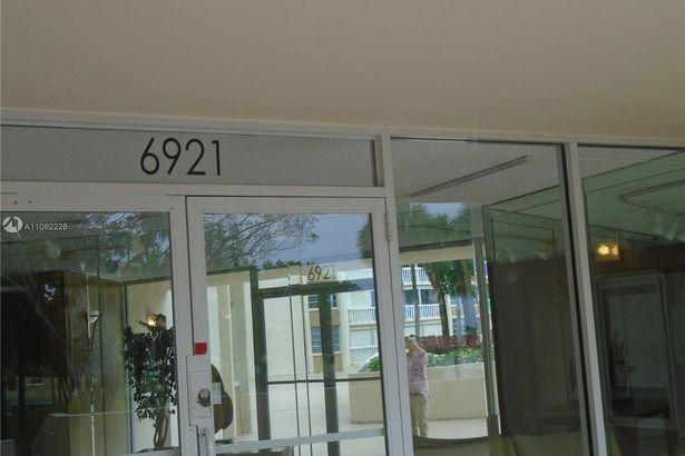 6921 Environ Blvd #2O