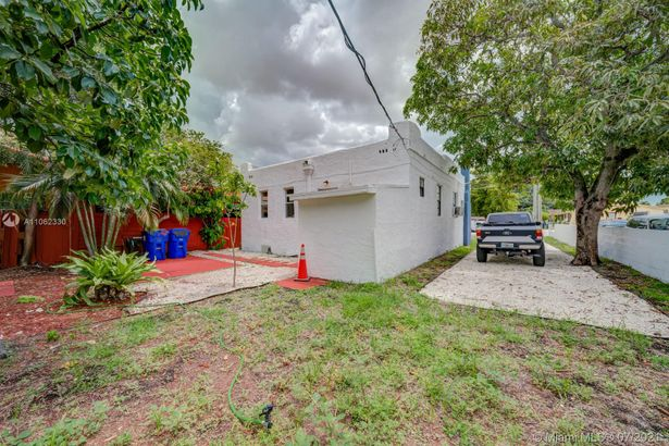 744 NW 33rd Ave