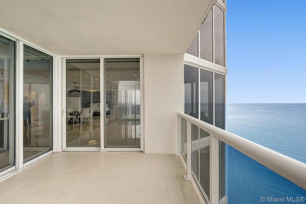 19111 Collins Ave #3808